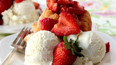 Strawberry-Shortcake Monkey Bread