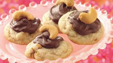 Chocolate-Filled Cashew Cookies