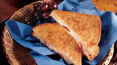 Grilled Provolone and Roasted Red Pepper Sandwiches
