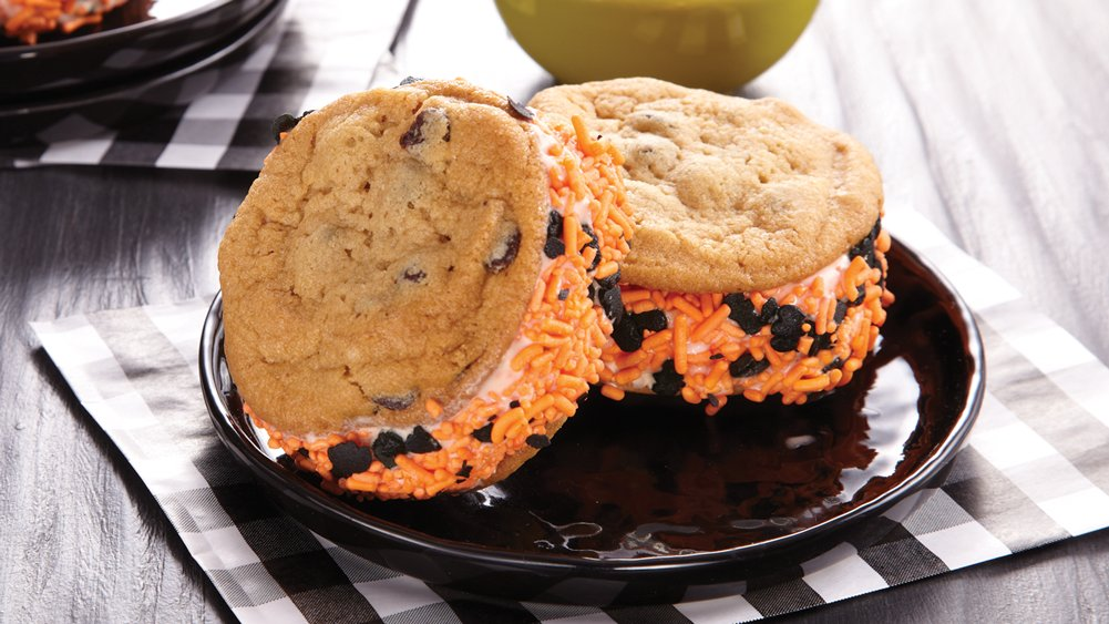 Pumpkin Ice Cream Cookie Treats