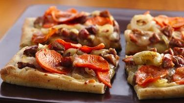 Sweet Potato and Apple-Chicken Sausage Pizza