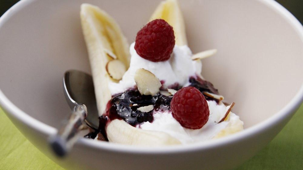 Greek Yogurt Banana Split