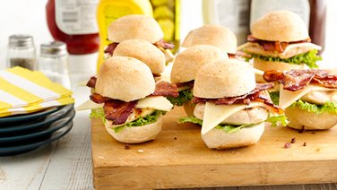 Grilled Chicken Sliders with Bacon