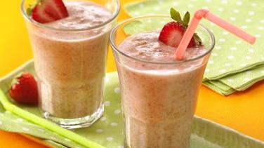 Fiber One® Strawberry Smoothies