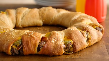 Bacon Cheeseburger Crescent Ring