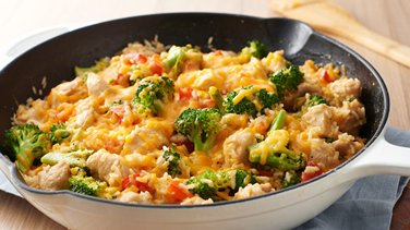 One-Pot Cheesy Chicken, Rice and Broccoli