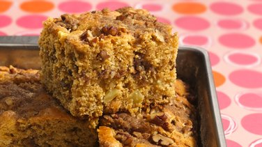 Apple-Pecan Coffee Cake
