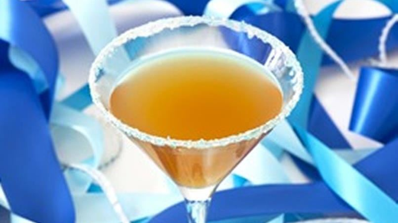 wedding cake martini amaretto wedding cake martini recipe from tablespoon 23234