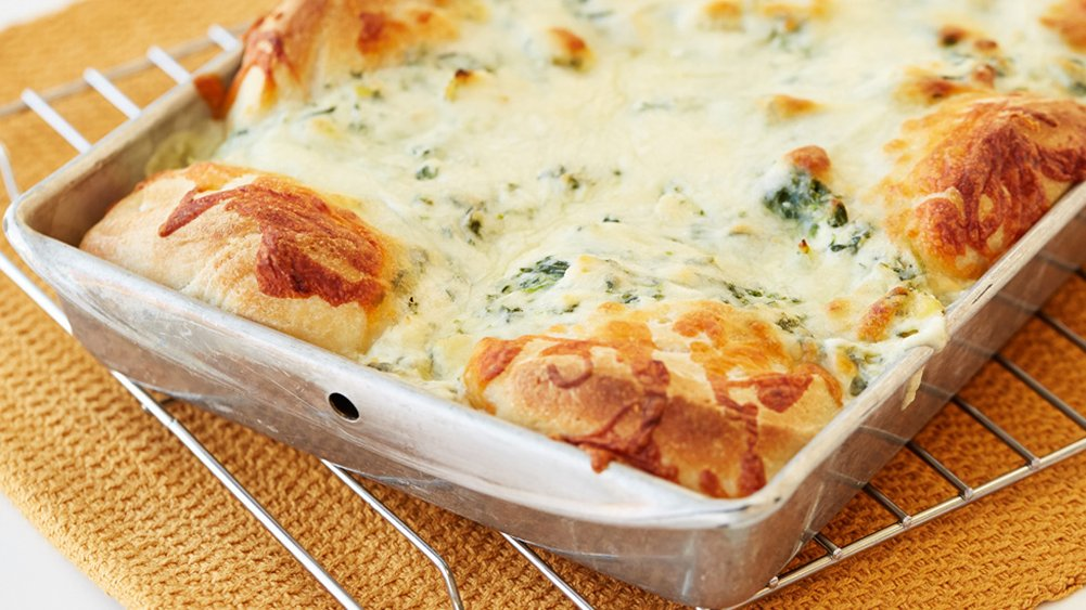 Spinach-Artichoke Dip and Pull-Apart Dippers