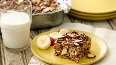 Chocolate Oat Clusters Cereal No-Bake Bars
