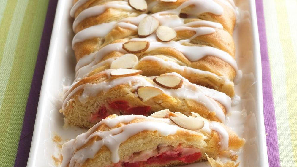 Easy Cream Cheese Coffee Cake With Crescent Rolls